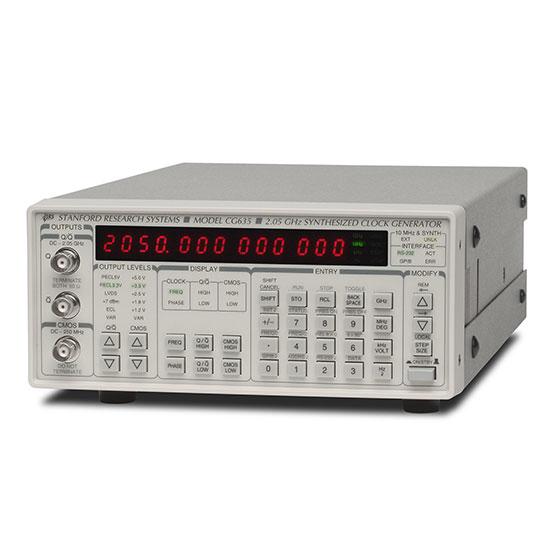 CG635 Generatore di clock sintetizzato